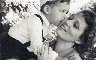Fábo Caramuru e sua mãe, Neide Bello Caramuru