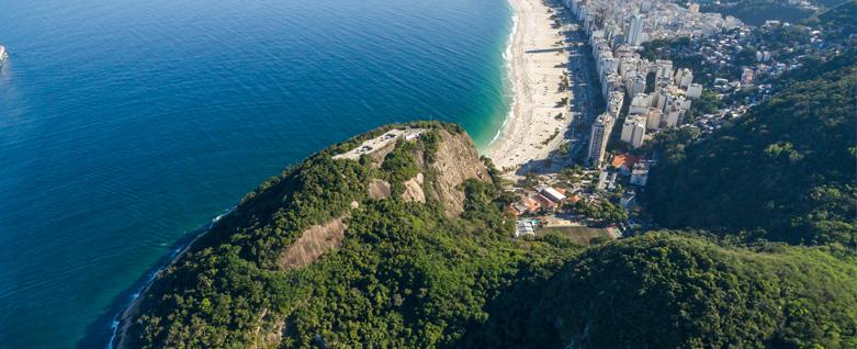 Vista aérea Forte Duque de Caxias, por Otavio Dias, 2017, Fábio Caramuru, EcoMúsica Rio