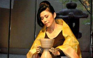 Ceramista Hideko Honma, por Judice Yizima