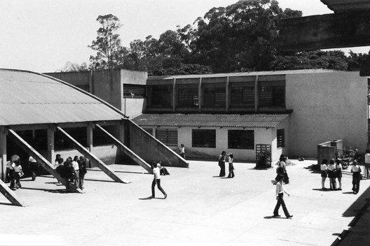 Quadra de Esportes, Pátio e Salas de Aula do Ginásio Vocacional
